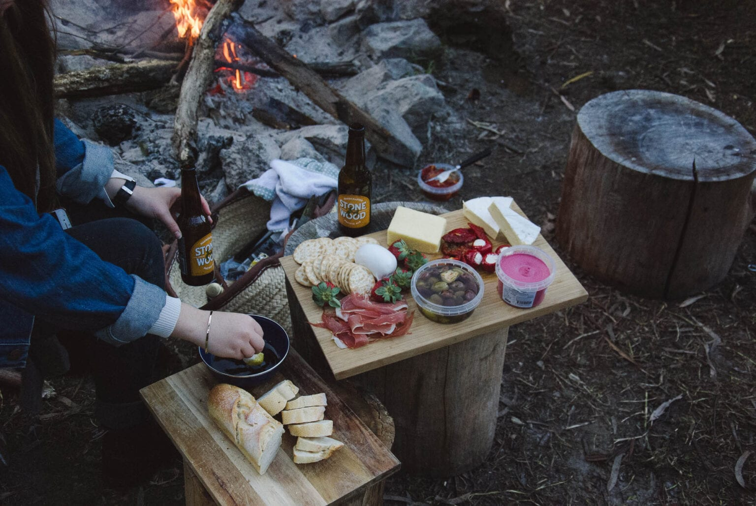 camping food and drinks photo